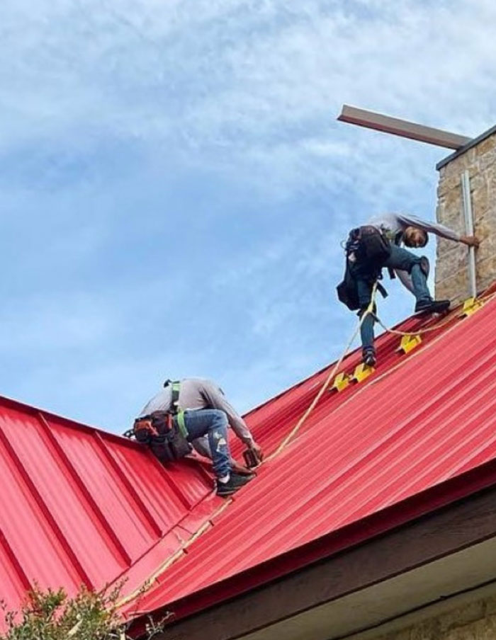 Roofrat Bracket in use red roof